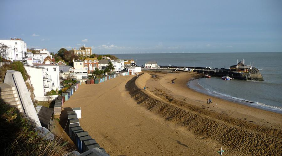 View over Viking Bay and Broadstairs Pier