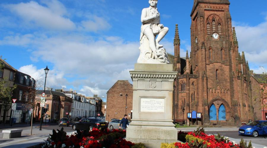 Burns' Statue and Greyfriars Kirk, Dumfries