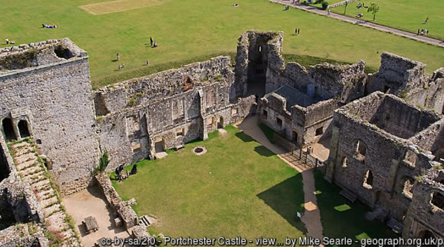 Portchester Castle (c) Mike Searle