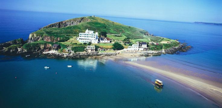 https://handluggageonly.co.uk/2014/07/24/alternative-holiday-idea-visit-burgh-island/