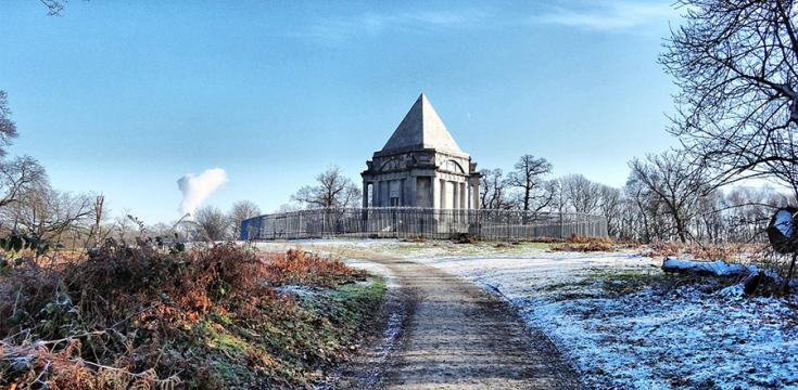 Path leading to Darnley Mausoleum in winter
