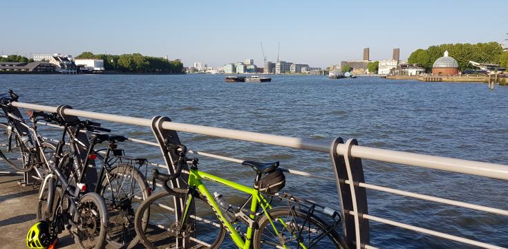 Cycles by river in Greenwich