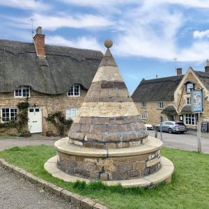 Hallaton Buttercross